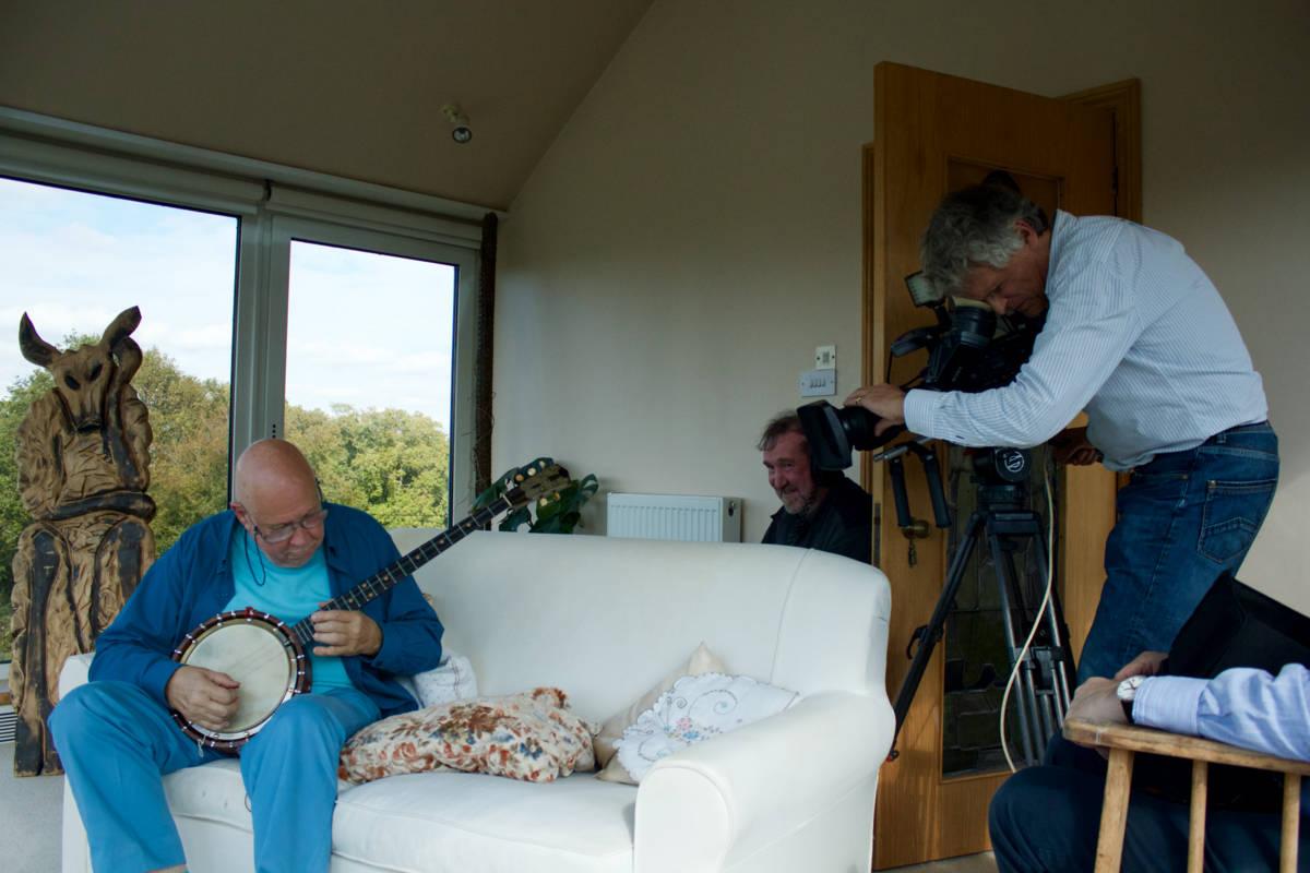 Ron Geesin banjo filming