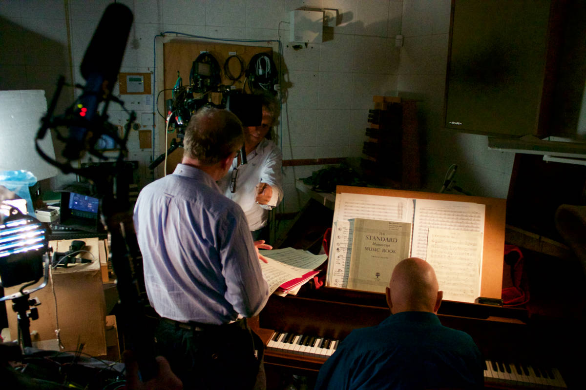 Ron Geesin in studio